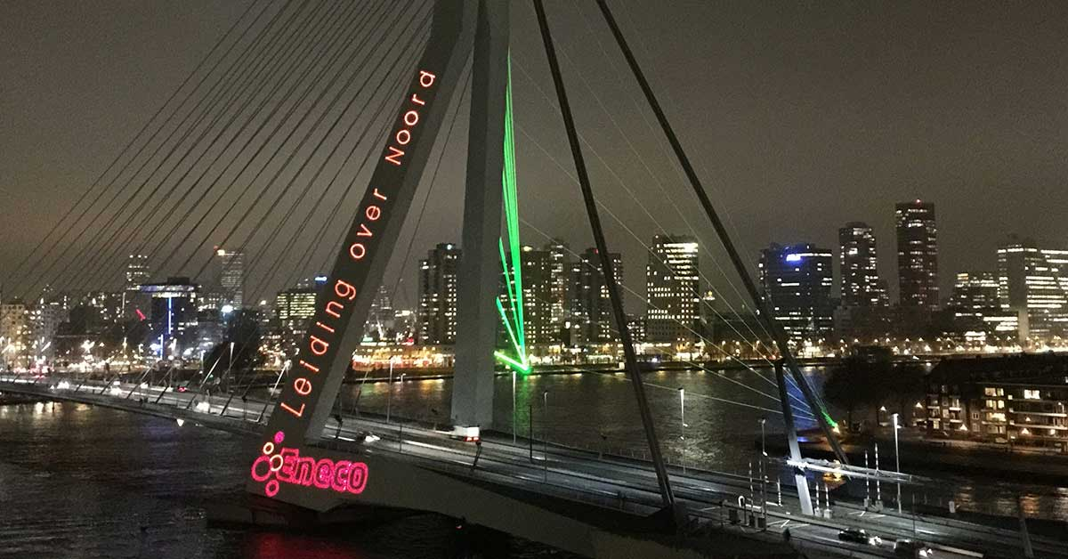 Laserprojectie en lasershow Erasmusbrug Rotterdam
